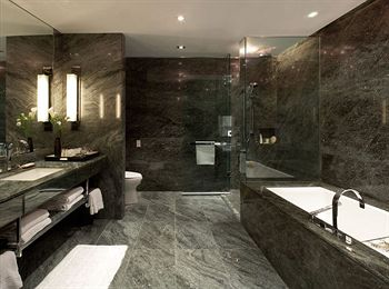 Hazelton-Hotel-Toronto-Bath