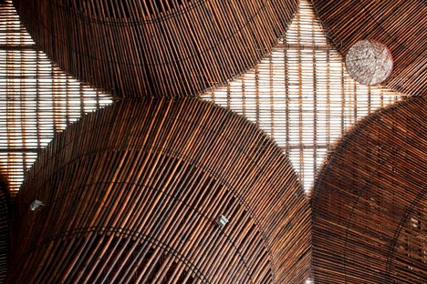 dezeen_Kontum-Indochine-Cafe-by-Vo-Trong-Nghia-Architects_15